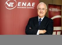 Enrique Egea -La crisis económica y el sector público y privado
