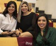 Alumnas de Guatemala en la entrega de diplomas