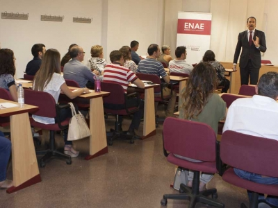 La formación de postgrado es sinónimo de empleo en España