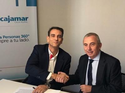Firma de convenio de colaboración entre Cajamar y ENAE