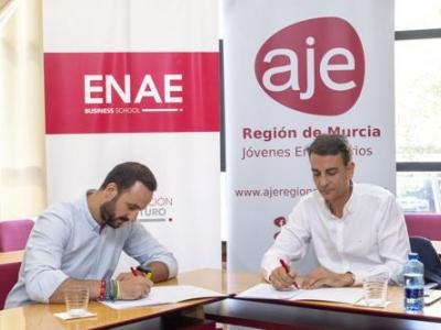 firma del convenio entre ENAE y AJE