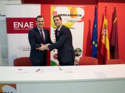 Firma del convenio entre ENAE y MERCAMURCIA