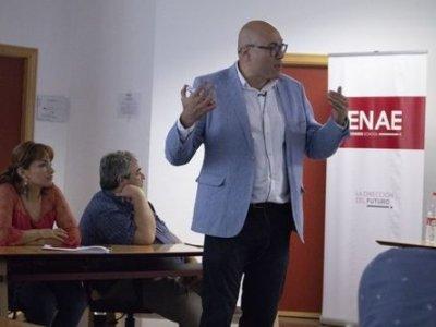 Manuel Alonso impartiendo su conferencia sobre Big Data Marketing