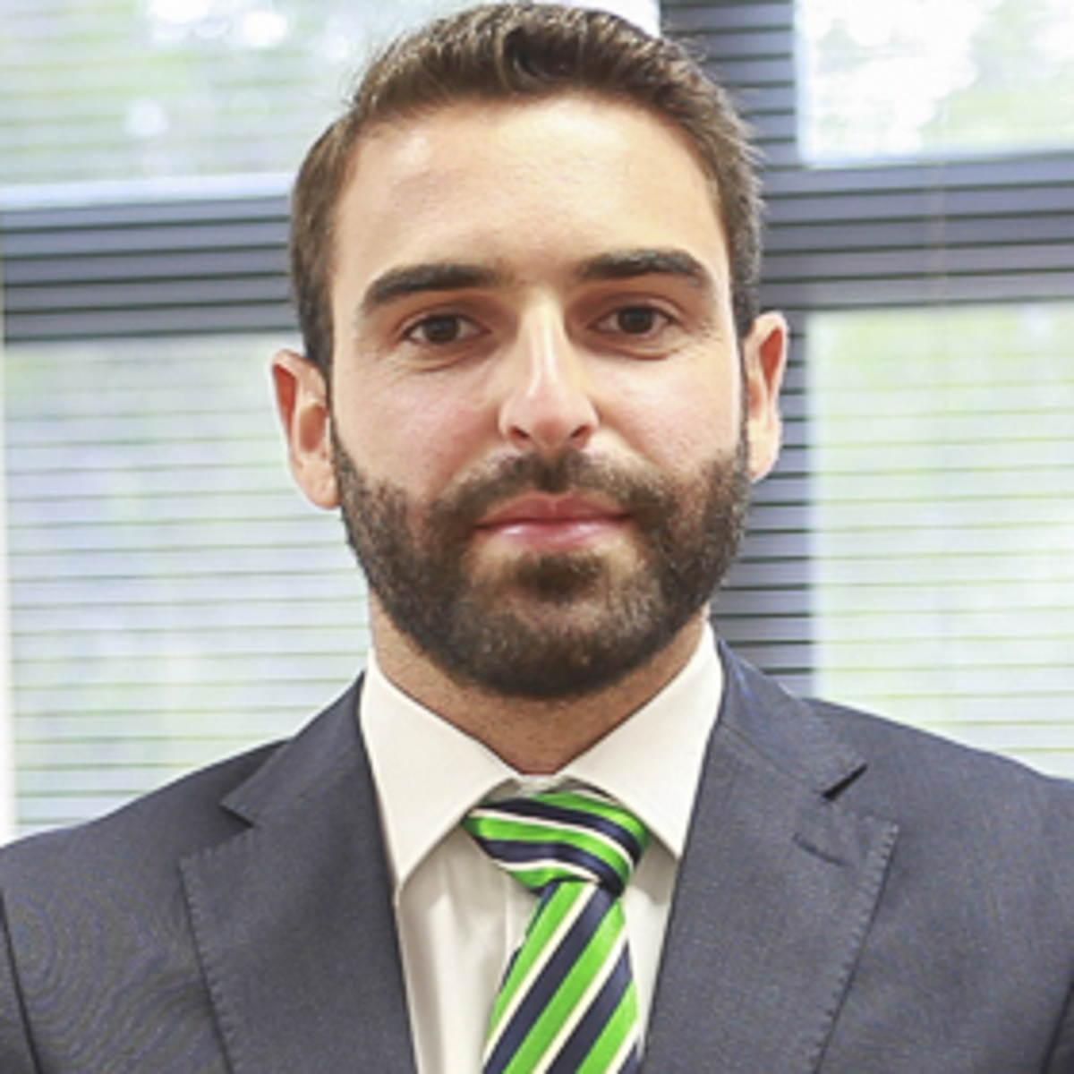 Carlos Román Hernández - Máster en Dirección de Empresas MBA